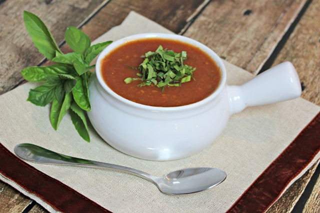 Crock Pot Tomato Basil Soup | Running in a Skirt