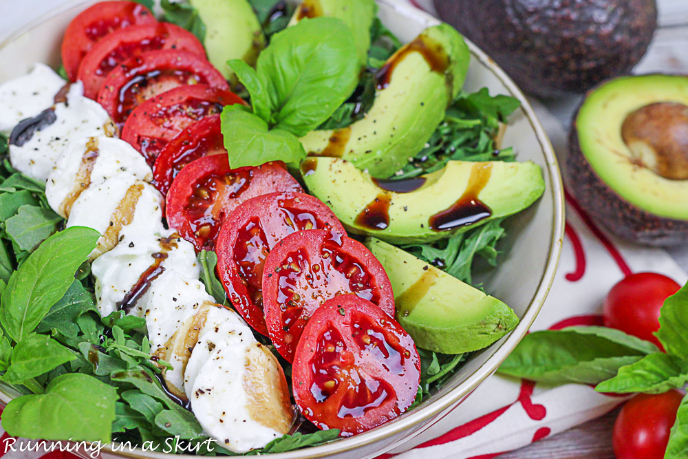How to put the avocado caprese salad in a bowl.