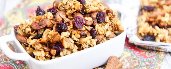 Cranberry & Almond Crock Pot Granola Recipe / Running in a Skirt
