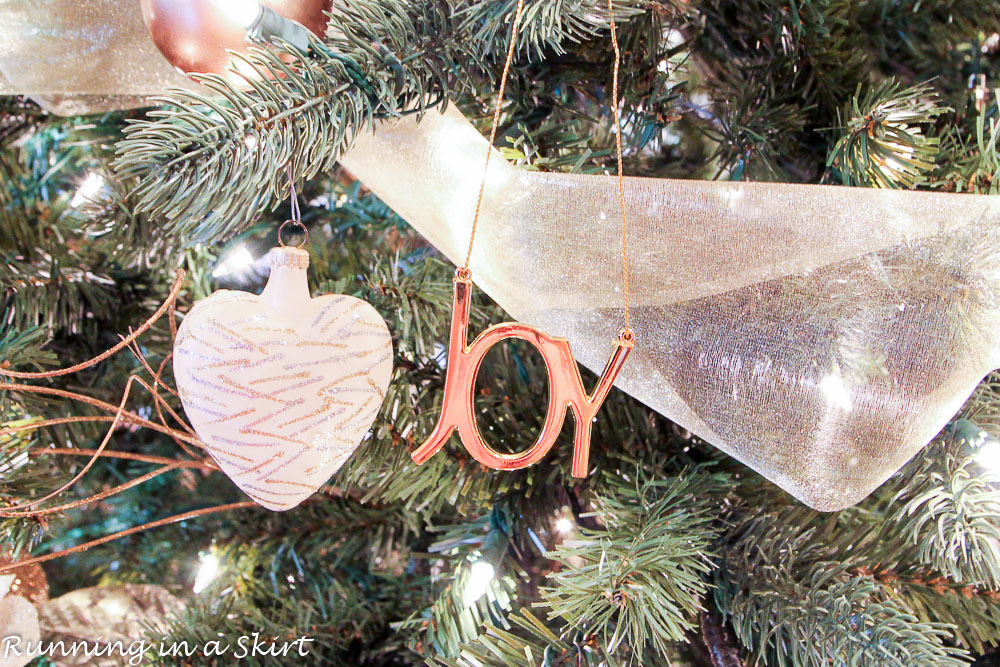 7 Ways to Reduce Holiday Stress and Actually Enjoy the Season! {Giveaway!}