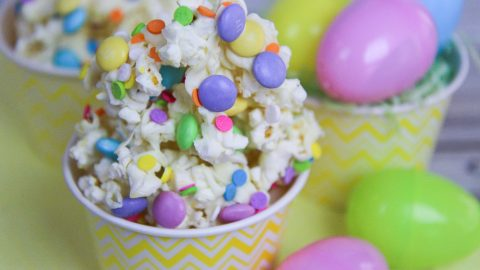 White Chocolate Easter Popcorn recipe / Running in a Skirt