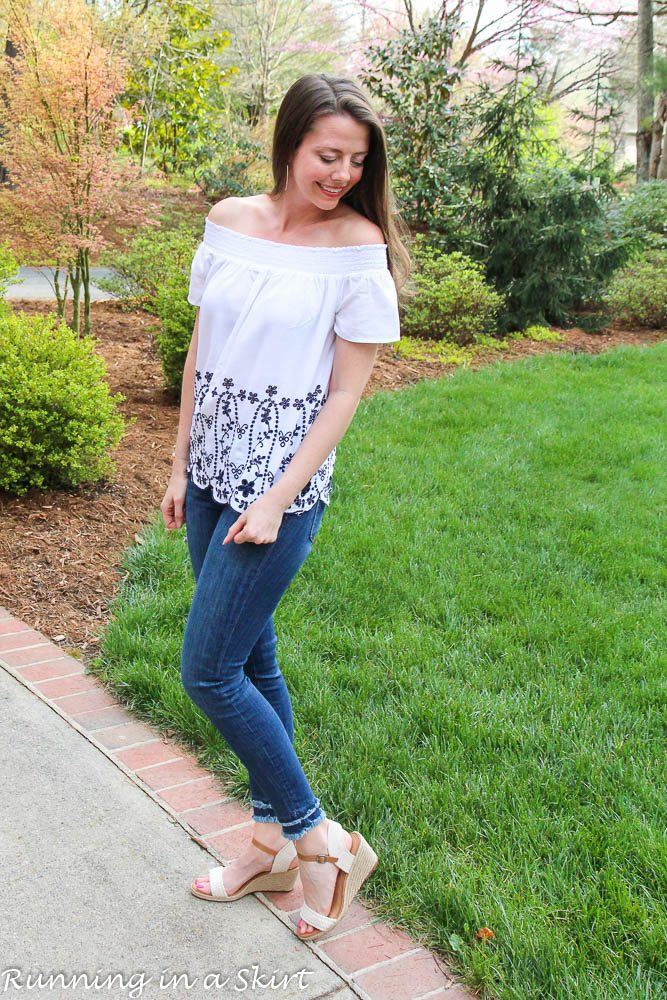 Embroidered white and navy top from Old Navy via @juliewunder